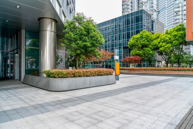 Zeitgenössisches architekturbürogebäude, stadtlandschaft