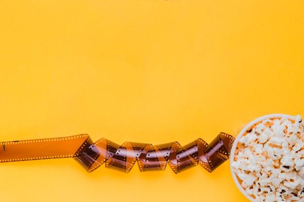 Zelluloid mit popcornbox