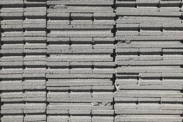 Zementsteinblockstapel bereiten sich für bauarbeit vor.