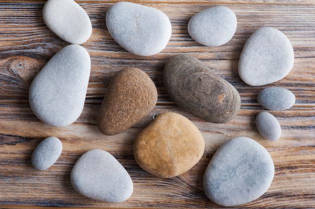 Zen-komposition mit steinen