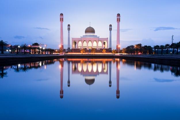 Zentrale moschee