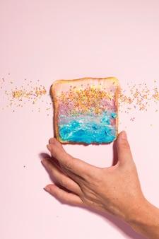 Zentrierter bunter toast