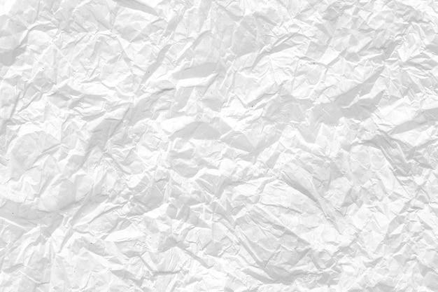 Zerknitterter weißer papierhintergrund