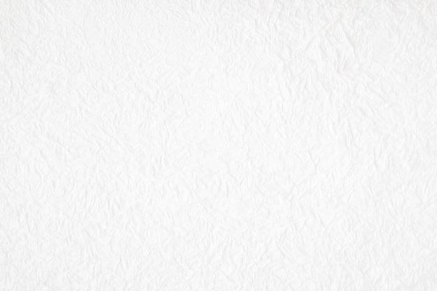 Zerknitterter weißer strukturierter hintergrund des maulbeerpapiers, detail oben geschlossen