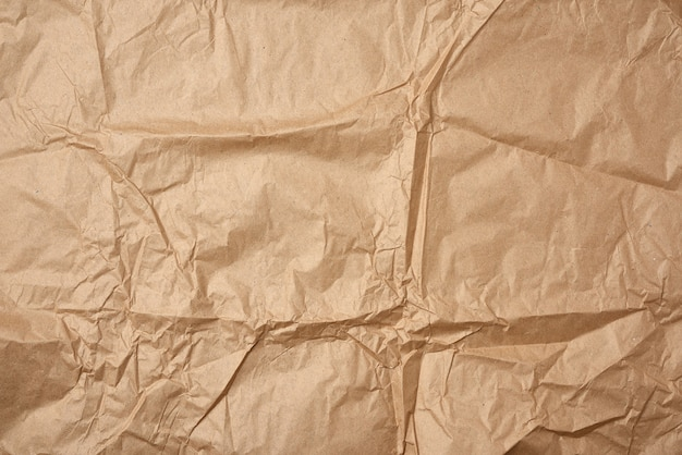 Zerknittertes leeres blatt braunes kraftpapier