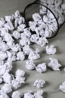 Zerknittertes papier