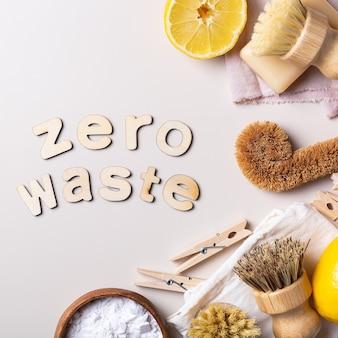 Zero waste set mit kunststofffreien küchenreinigungsutensilien