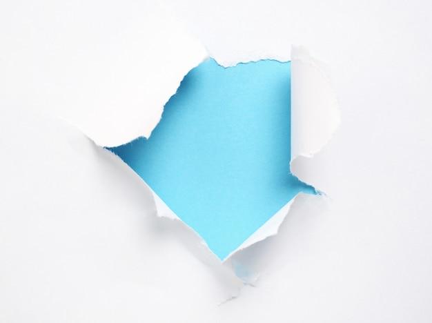 Zerrissenes papier