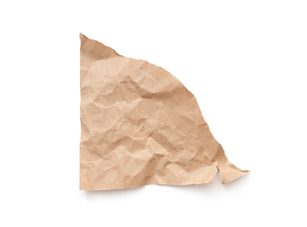 Zerrissenes stück papierblatt leer beschädigtes papier braunes dreieck teil der pappe als paket