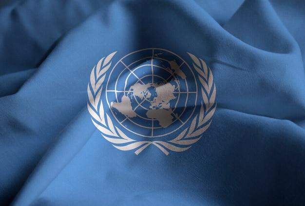 Zerzauste flagge der vereinten nationen