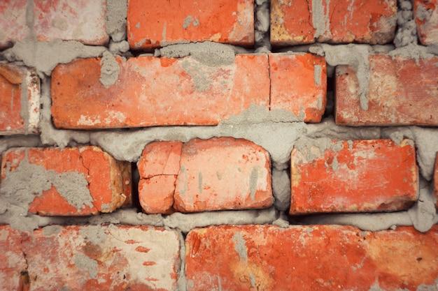 Ziegelmauerwerk mit zement