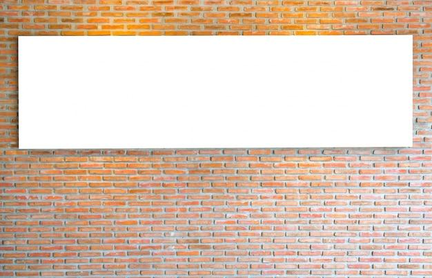 Ziegelwand mit leeren zeichen