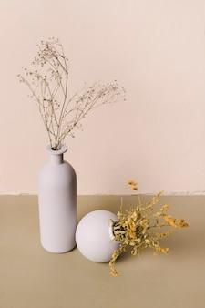 Zierpflanze in minimaler vase