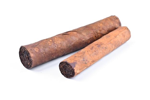 Zigarre isoliert auf weißem hintergrund