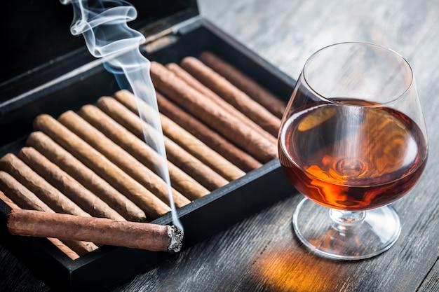 Zigarre und cognac