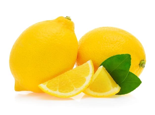 Zitrone isoliert auf weißem hintergrund.