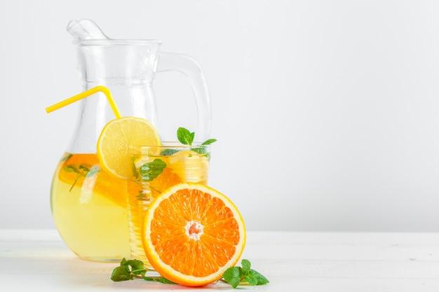 Zitronenlimonade, sommergetränk.