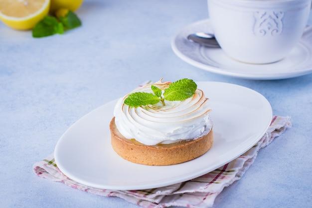 Zitronentarte mit merengue