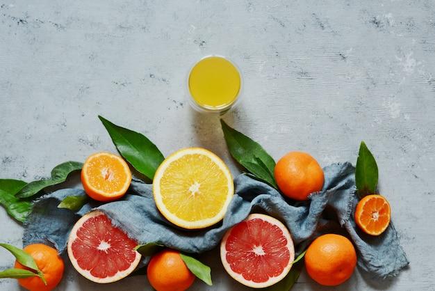 Zitrusfrüchte orange, zitrone, grapefruit, mandarine, limette