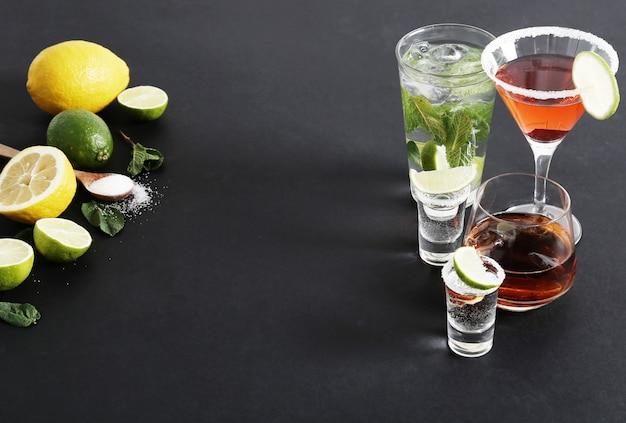 Zitrusfrüchte und cocktails