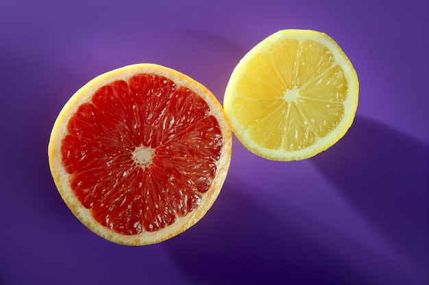 Zitrusscheiben, zitrone und grapefruit