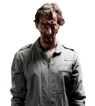 Zombie mit den armen gesenkt