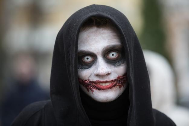 Zombie-parade in den straßen von kiew