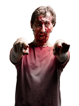 Zombie zeigt mit beiden händen