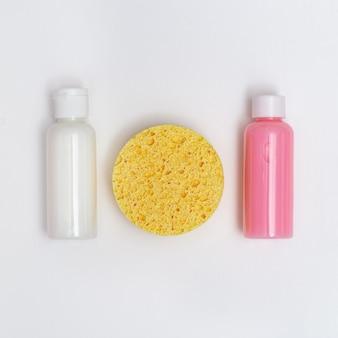 Zubehör für die reinigung der haut, kosmetikschwamm, befeuchten