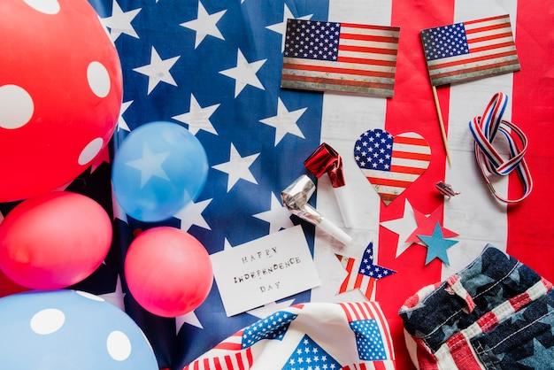Zubehör in den farben der amerikanischen flagge