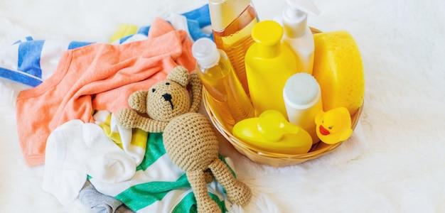 Zubehör zum baden des babys