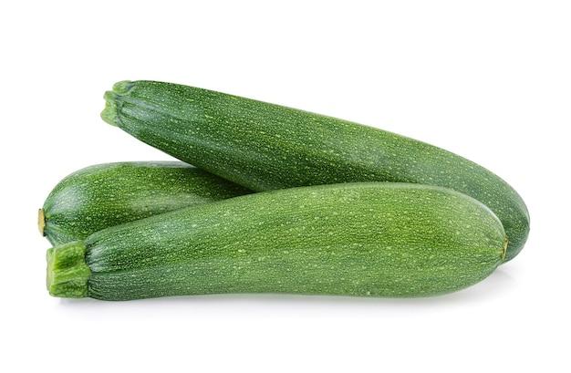 Zucchini isoliert auf weißem hintergrund