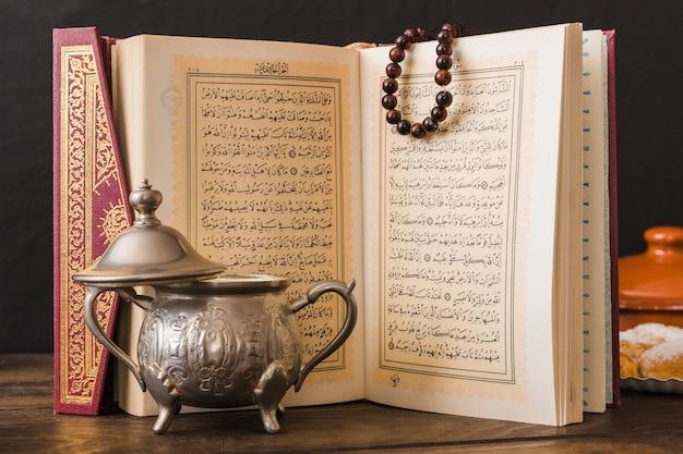 Zuckerdose in der nähe von koran