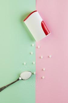 Zuckerersatztabletten und natürliches süßstoffpulver