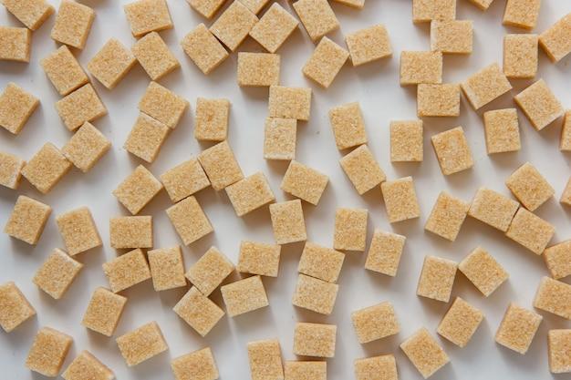 Zuckerwürfel-draufsicht auf einem weißen hintergrund