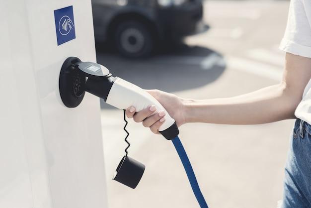 Zukünftige elektrofahrzeuge mit alternativer kraft