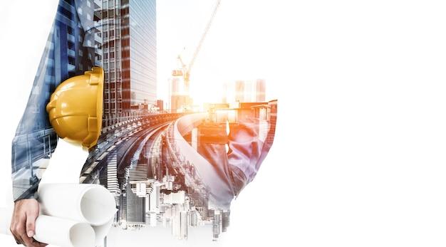 Zukünftiges hochbau-projektkonzept mit doppelbelichtungs-grafikdesign. bauingenieur, architekten oder bauarbeiter, die mit moderner bautechnik arbeiten.