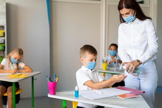 Zurück zur schule in der pandemiezeit