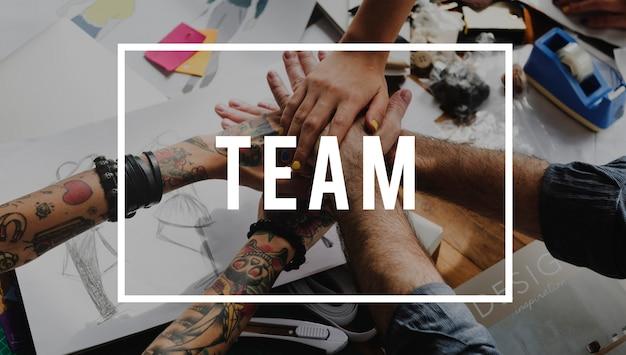 Zusammenarbeitsteam zusammen können wir ein brainstorming durchführen