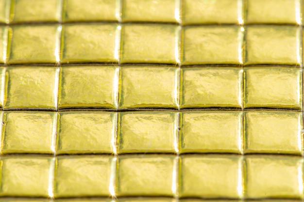 Zusammenfassung in goldener farbe.
