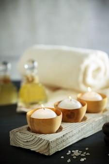 Zusammensetzung der spa-behandlung auf dem tisch