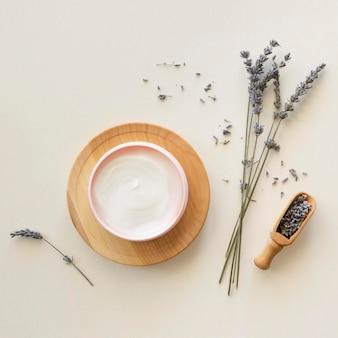 Zusammensetzung der spa-behandlung lavendelcreme