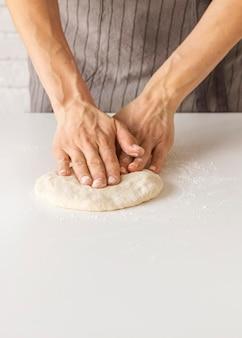 Zusammensetzung des leckeren pizzateigs