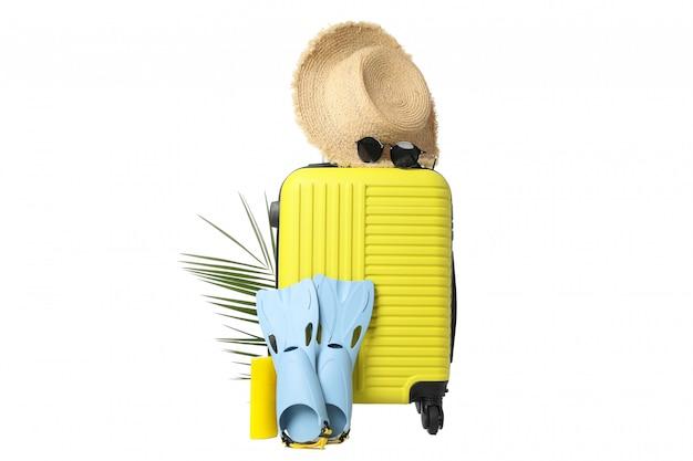 Zusammensetzung mit reisetasche isoliert auf weiß