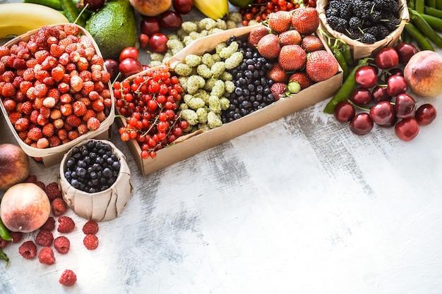 Zusammensetzung verschiedener früchte