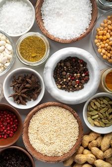 Zusammensetzung von leckerem essen und zutaten