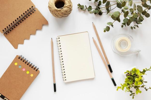 Zusammensetzung von naturmaterial briefpapier