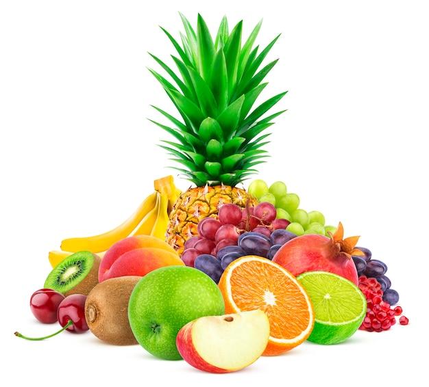 Zusammenstellung der exotischen früchte getrennt auf weiß