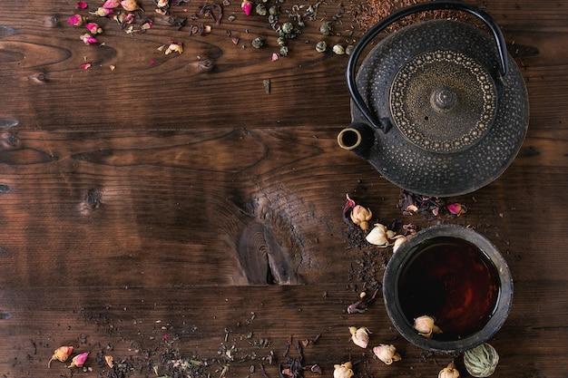 Zusammenstellung des tees als hintergrund