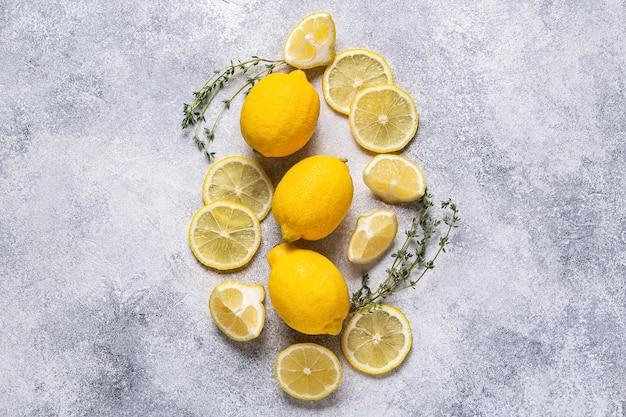 Zutaten für erfrischende limonade, draufsicht.